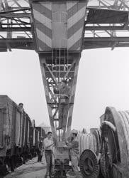 Ipar - Színdinamikai elvek a Villamosgép és Kábelgyárban