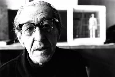 Vilt Tibor Kossuth-díjas szobrászművész