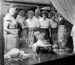 Divat - Női kalapszalon