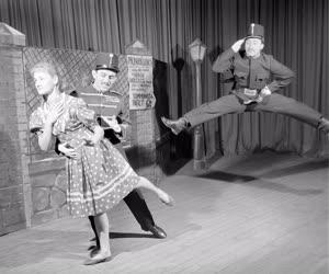 Kultúra - A KISZ Központi Művészegyüttes tánckara