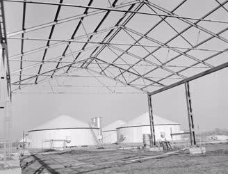 Ipar - Építés alatt álló könnyűszerkezetes épület