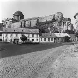 Az esztergomi  Várhegy a Bazilikával