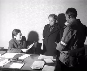 Belpolitika - 56-os forradalom - Szökött fiatalkorúak
