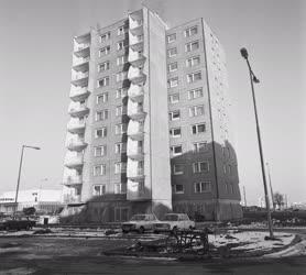 Építkezés - Toronyház Pakson