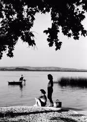 Nyaralás - Napozó nők
