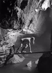 Természet - Szabadidő - Amatőr barlangkutatók a Mecsekben