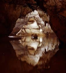 Az Aggteleki Cseppkőbarlang