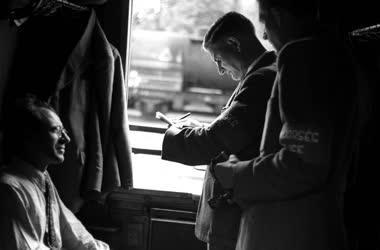 Rendőrség - Ellenőrzés a szobi határállomáson