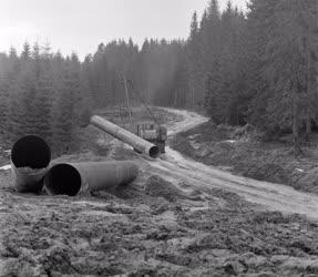 Külkapcsolat - Magyarok az orenburgi gázvezeték építkezésén