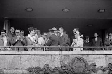 Külkapcsolat - Jurij Gagarin a Népstadionban - Vasas - Partizán