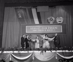 Kultúra - Film - Szovjet filmküldöttség sajtótájékoztatója