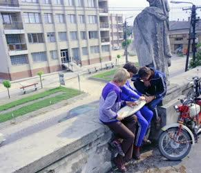 Városkép-életkép - Paksi életkép