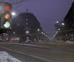 Városkép - Esti Budapest - Bajcsy-Zsilinszky út