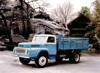 Exportra gyártott újfajta teherautók