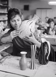 Ipar - Porcelángyártás - Hollóházi Porcelán