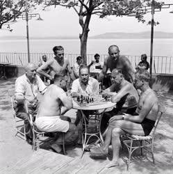 Nyaralás - Külföldi munkások a Balatonnál