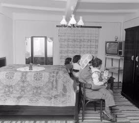 Életkép - Új lakásban a vésztői romák