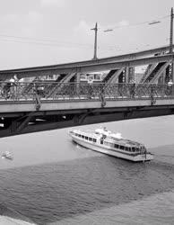 Közlekedés - Vízibusz a Dunán