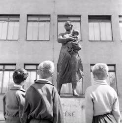 Kultúra - Kiss István Béke-szobor