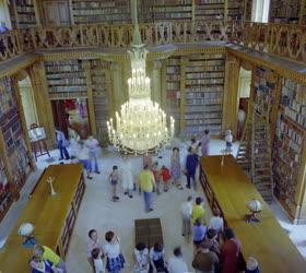 Kultúra - A Festetics-kastély könyvtárterme