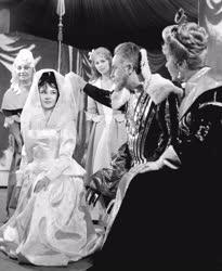 Kultúra - Színház - Shakespeare: Minden jó, ha jó a vége