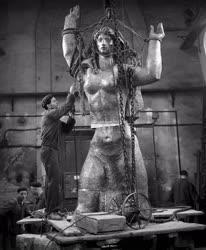 Kultúra - Tar István Szovjet hősi emlékmű szobra