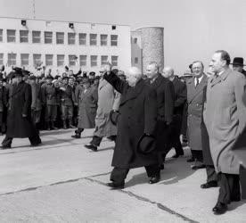 Külkapcsolat - A szovjet párt- és kormányküldöttség Budapesten