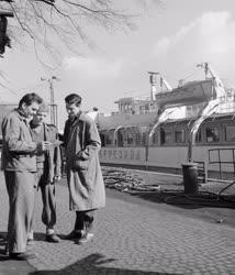 Ipar - Szervezet - Óbudai Hajógyár KISZ fiataljai