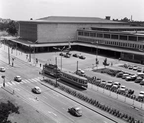 Városkép - Közlekedés - A bécsi Süd-Ost-Bahnhof főpályaudvar