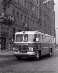 Közlekedés - Új autóbusz közlekedik a fővárosban