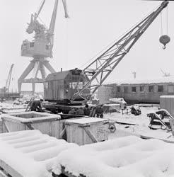 Ipar - Magyar Hajó- és Darugyár