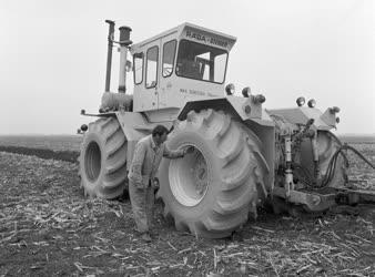 Mezőgazdasági gép - Műanyag gépjárműabroncs - Osztrák szabadalom