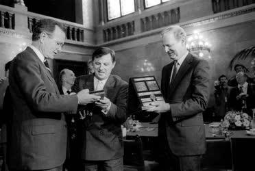 Külpolitika - Németh Miklós és George Bush megbeszélése