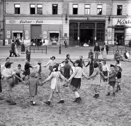 Gyermekek - Játszótér