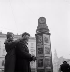 Ifjúság - Randevúzó budapesti fiatalok