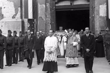 Történelem - Egyház - Szent István ünnepe