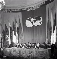 Külpolitika - Vegyipari Szakszervezeti Konferencia