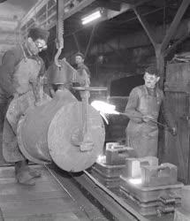 Ipar - Villamosgép-és Kábelgyár korszerűsített szürkevas öntöde