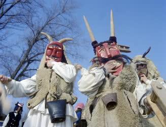 Folklór - Busójárás Mohácson - Maszkos busók