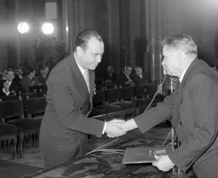 Kitüntetés - Kossuth-díjak - Várkonyi Zoltán