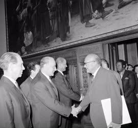 Külkapcsolat - A Békevilágtanács résztvevői a Parlamentben