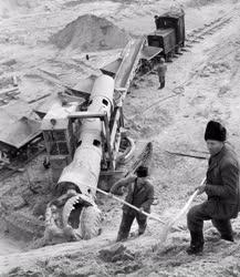 Bányászat - A felcsúti homokbányában