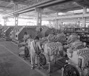 Ipar - Rába-Steiger traktorok a Vörös Csillag Gépgyárban