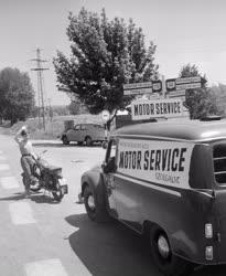 Szolgáltatás - Mozgó szervízautó a Balatonnál