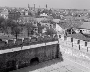 Városkép - Műemlék - Restaurálják a Gyulai várat