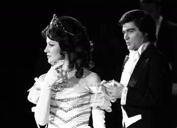 Kultúra - Opera - Traviata