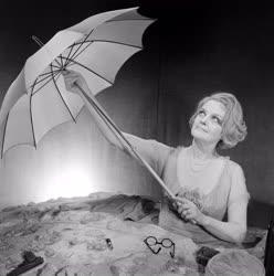 Kultúra - Színház - Beckett: Ó, azok a szép napok