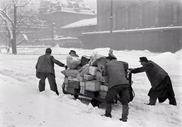 Posta - Postaszállítmányok és a havazás