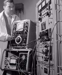 Technika - Új gyártmányok a Magyar Tudományos Akadémia Kutatási Eszközöket Kivitelező Vállalatánál