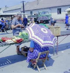 Kereskedelem - Életkép - A ceglédi piacon